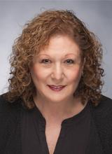 Antoinette Lynn headshot
